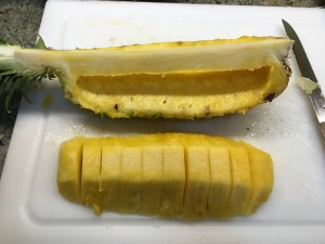 Pineapple boat with slices